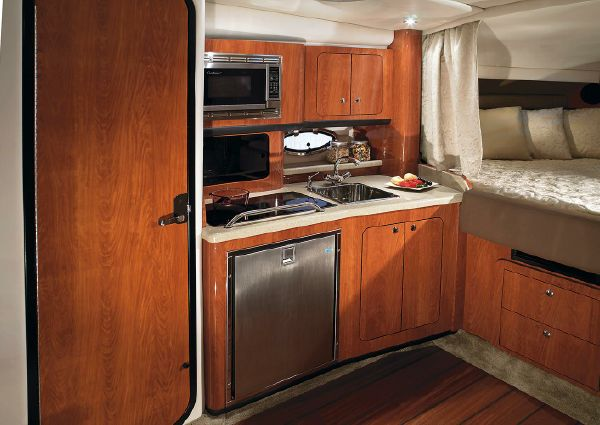 Crownline 330 SY image