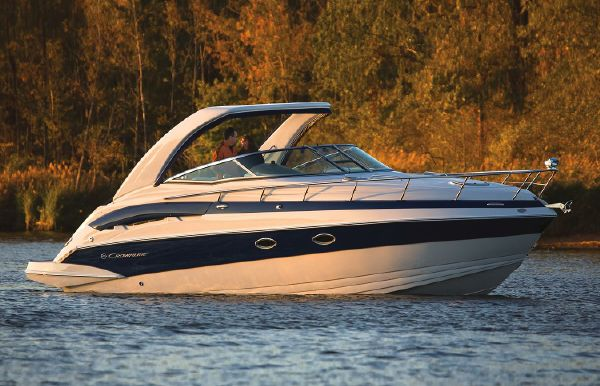2018 Crownline 330 SY