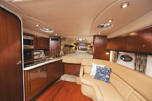 Crownline 350 SY image