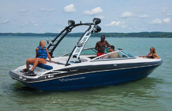 2019 Crownline 225 SS