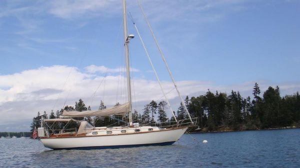 Cape Dory 36'