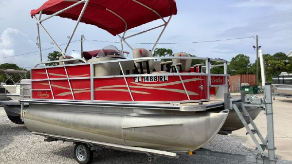 Bentley Pontoons 140 Fish SE