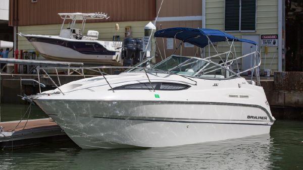 Bayliner 255
