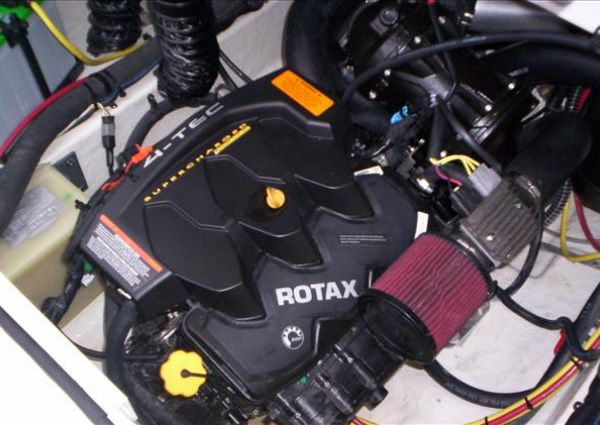 Chaparral Vortex 203 VRX image