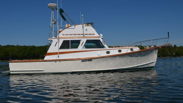 Wilbur Flybridge Cruiser (Rebuilt & launched in 1994)