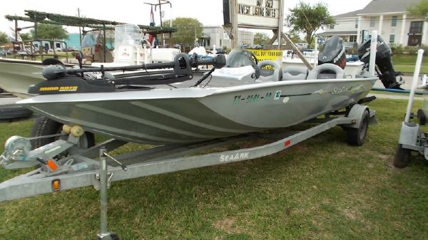 SeaArk Stealth 210