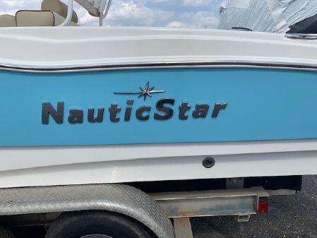 NauticStar 231 Hybrid CC image