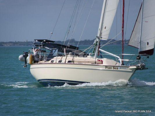 Island Packet 380 - main image