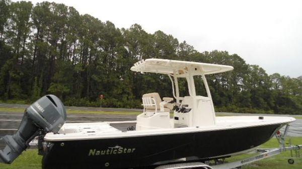 NauticStar 265