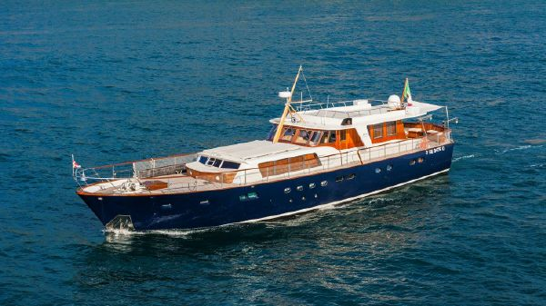 Feadship Caravelle 586