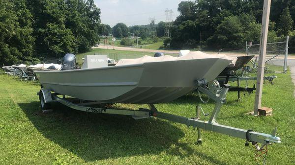 SeaArk 2472 MV