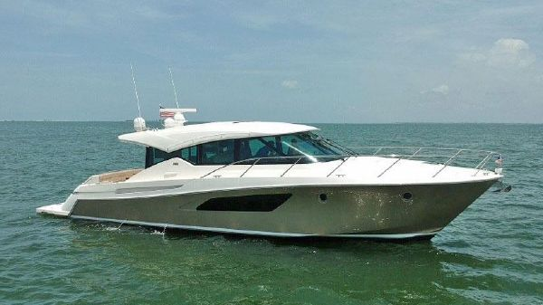 Tiara Yachts 50 Coupe