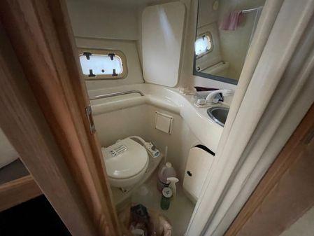 Bayliner Avanti 3255 Express Cruiser image