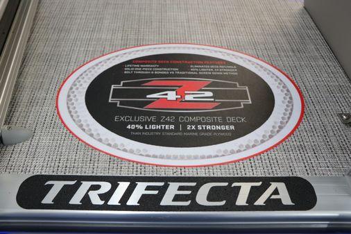 Trifecta 22RFC LE TRI-TOON image