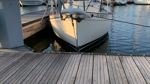 Pacific Seacraft 25 (restored)