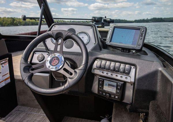 Alumacraft Competitor 185 Sport image