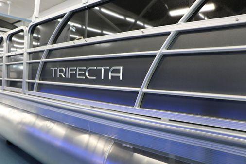 Trifecta 22RF LE TRI-TOON image