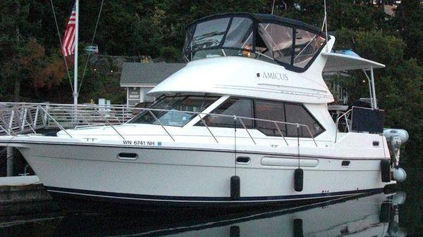 Bayliner 3587 Aft Cabin Motor Yacht