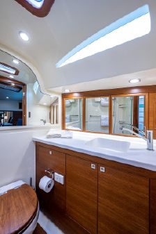 Palm Beach Motor Yachts GT60 image