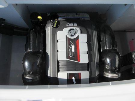 Four Winns HD220 image