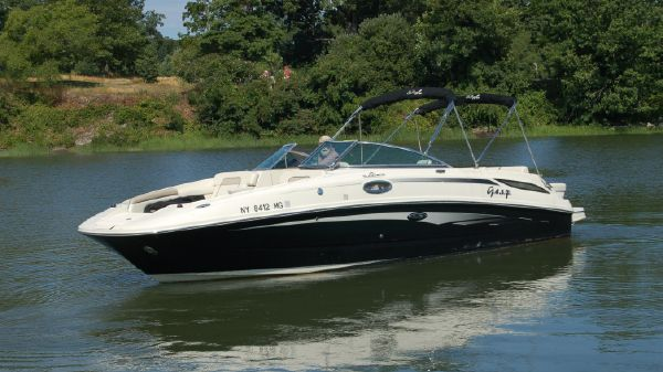 Sea Ray 28 SUNDECK
