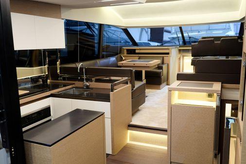 Prestige 520 Flybridge image