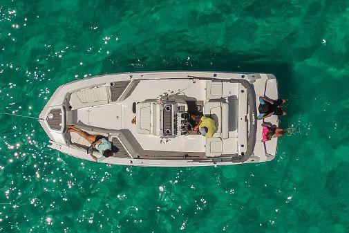 Yamaha Boats 210 FSH Deluxe image