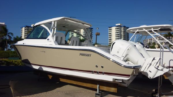 Pursuit 325 Dual Console