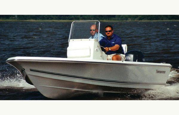 2017 Tidewater 1800 Bay Max