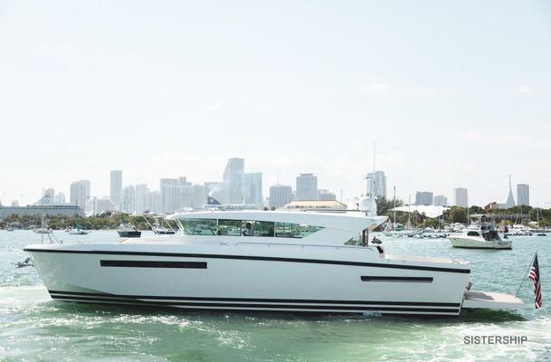 Delta Powerboats 54 Carbon - main image
