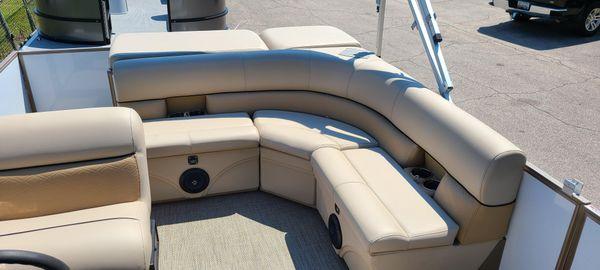 Bentley Pontoons 220 Cruise image