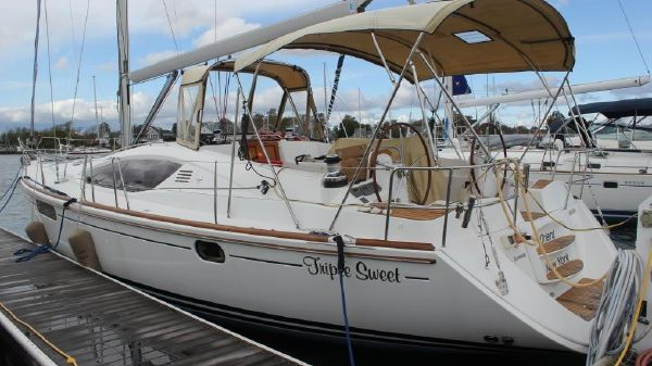 Jeanneau 50 DS Port view
