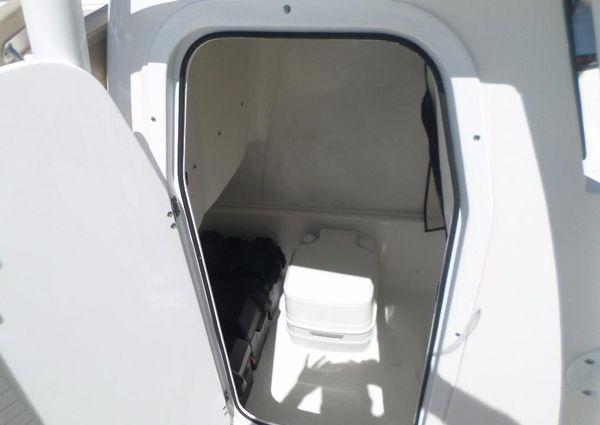 Sea Fox 246 Commander image
