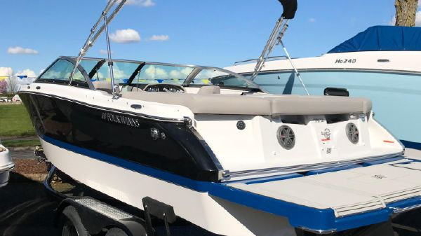 New Four Winns Boats For Sale - Royal Marine Yacht Sales in