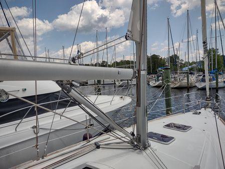 Beneteau Oceanis 37 image