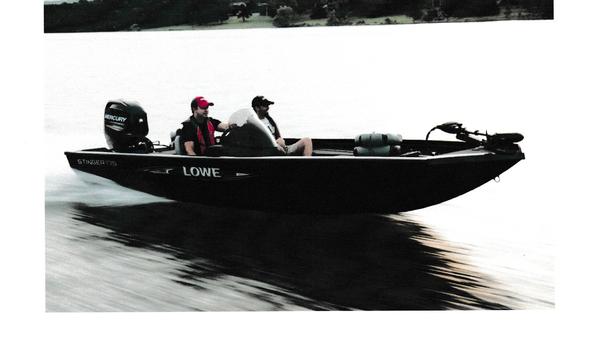 Lowe Stinger ST175 Bass Boat