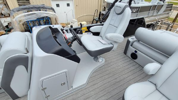 Bentley Pontoons 223 Elite Swingback image