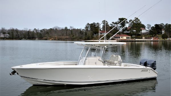 Jupiter 30 HFS Center Console