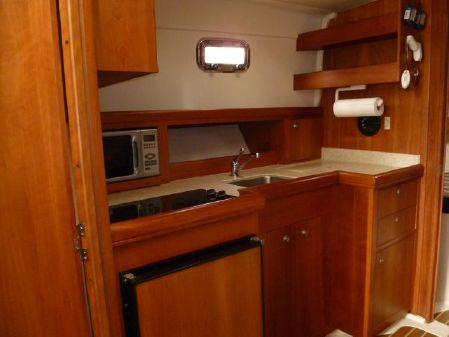 Mainship Pilot House Sedan image