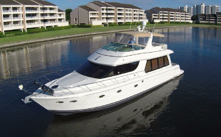 2002 CARVER YACHTS Voyager 570 Sky Lounge