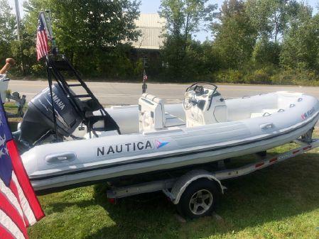 Nautica 19 Center Console image