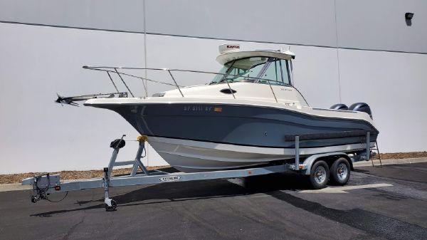 Seaswirl Striper 2601 Walkaround O/B