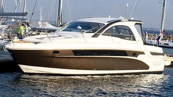 Bavaria Motor Boats Sport 44 HT Bavaria Sport 44 HT 2014