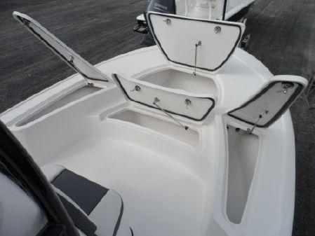 Tidewater 2410 Bay Max image