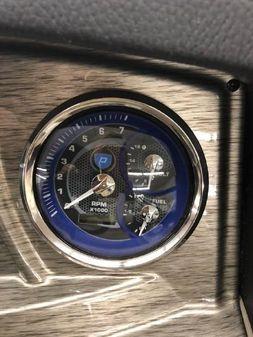 Premier 230 Solaris image