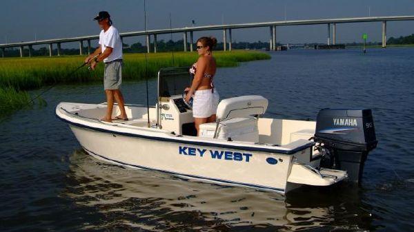 Key West 1720 Center Console