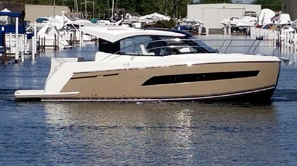 Carver 34 Coupe