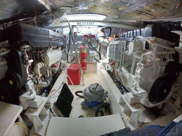 2005 Cruisers Yachts Brokerage BoatsalesListing