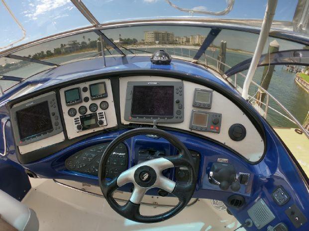 2005 Cruisers Yachts Brokerage Rhode Island