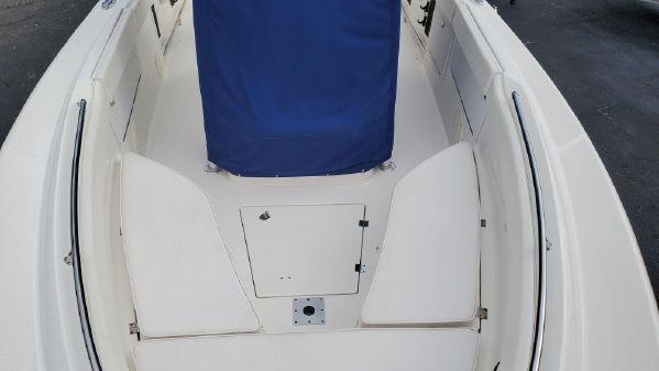 Robalo R260 Center Console image